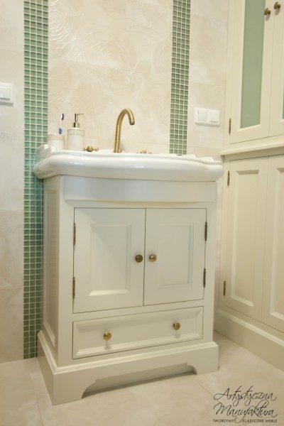 Szafki łazienkowe stylowe