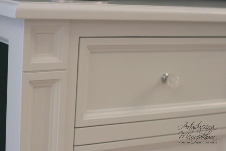 Klasyczna szafka RTV 3