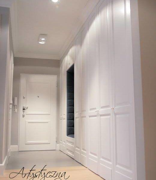 Białe stylowe szafy wnękowe 1